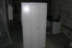 металлический шкаф для сменной одежды