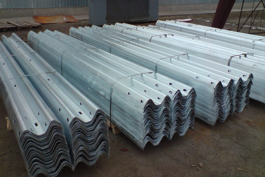 metal road fences Price